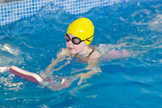 Children s swimming lessons sept 2015 active ennis for Pyramid swimming pool portsmouth