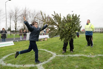 20190106_Christmas_Tree_Throwing_2019_0016