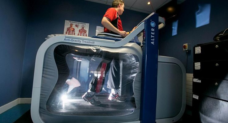 Space Age technology originally developed by NASA is now being used at Active Ennis Leisure Complex in County Clare to help improve recovery times, increase mobility and lessen the chance of future injury for athletes and patients. The developers of the anti-gravity AlterG treadmill will host a demonstration event for the HSE, doctors, consultants, physiotherapists and local sports clubs and organisations. Active Ennis Leisure Complex is the only facility in the Mid West Region to provide public access to an anti-gravity AlterG treadmill which has previously been used by internationally renowned sports stars such as former Irish rugby international Brian O'Driscoll, Barcelona footballer Luis Suarez, multiple tennis Grand Slam champion Rafa Nadal  and Irish Olympian Derval O'Rourke.