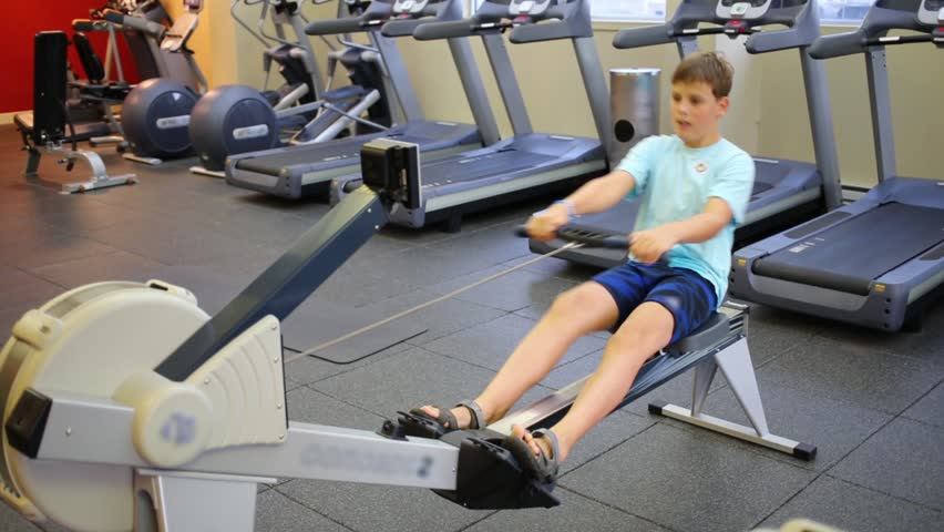 Teen on Rowing Machine pic